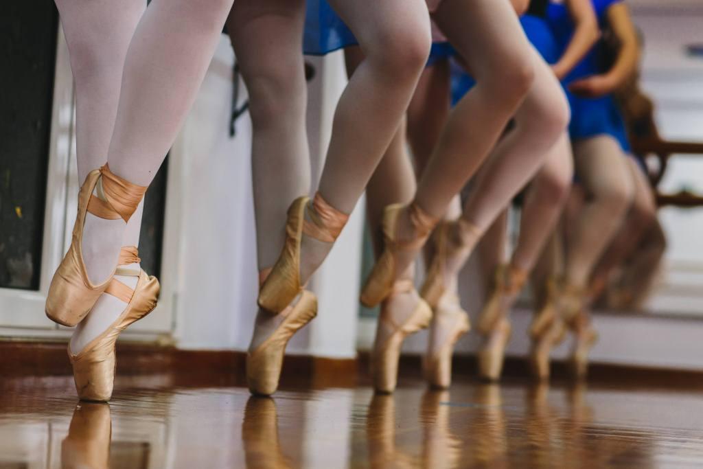 3d4deab4e25 Σχολή χορού Μαρικάλης Γιαννούση - ΧΟΡΕΥΟΥΜΕ;
